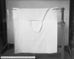 American Linen Apron Threader