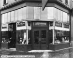 Hemenway and Moser Company, Showing Windows at Dustin's Drug Store