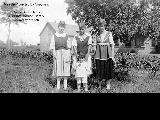 """Girtie, Tom my nephew, Ann"" and an unidentified woman."